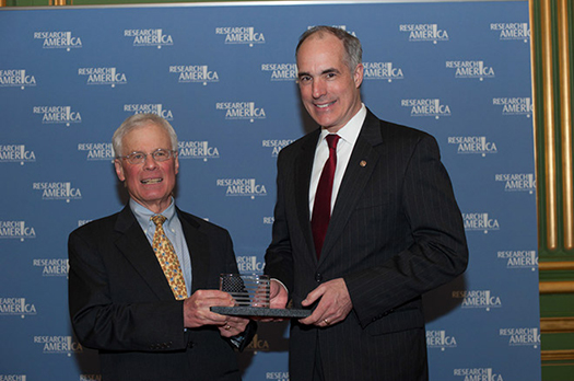 Harvey Lodish, PhD, and Sen. Bob Casey (D-PA)